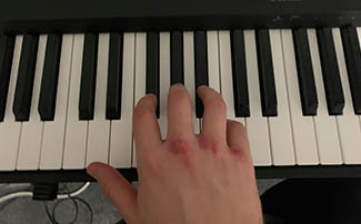 fingering for black keys on the piano