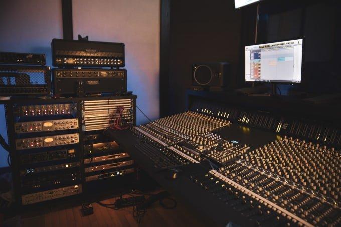 Lucas Pereira - Affordable Professional Mix & Master